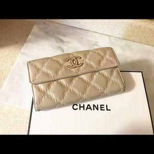Auth. Chanel Beige CC Lambskin Continental Wallet